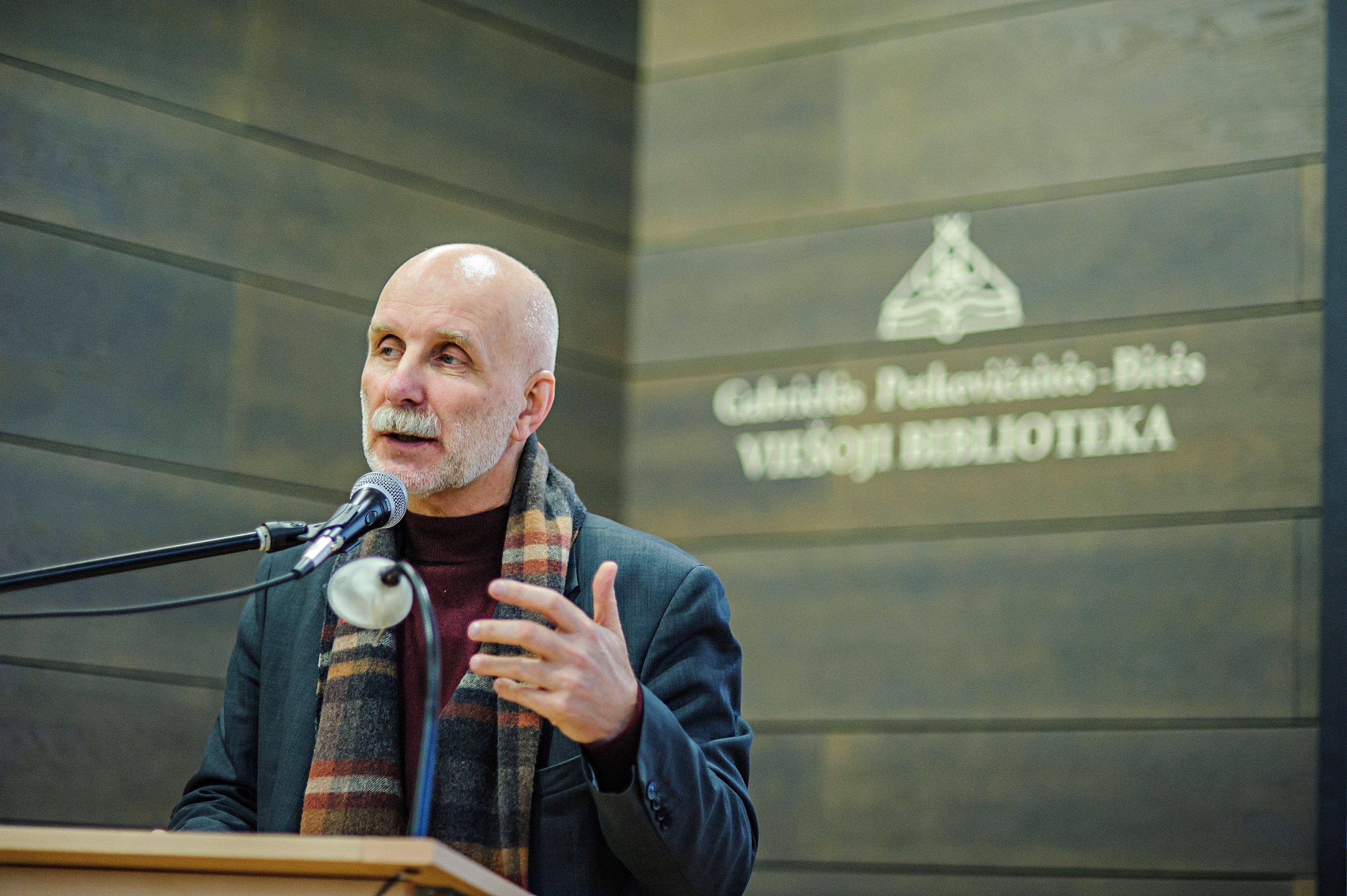 Susitikimai su Rolandu Paulausku