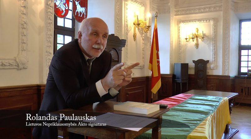 Nepriklausomybės vėliava perduodama Kauno miesto muziejui. 2018 10 09
